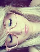 Tira, a máscara que cobre o seu rosto !  ♪