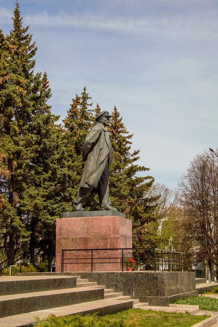 Путешествия: О жизни: Памятник Ленину Чебоксары