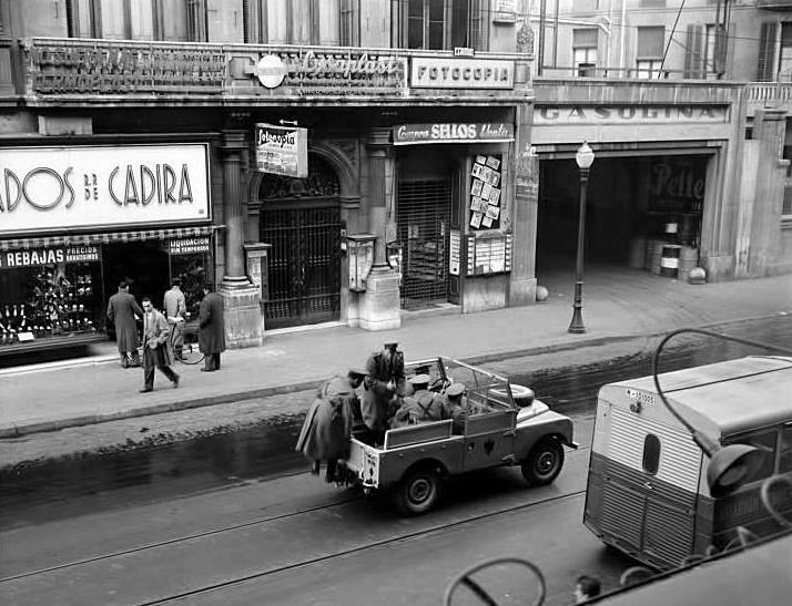Barcelof lia carrer pelai botigues i comer os anys 1950 39 s for Oficinas de pelayo en barcelona