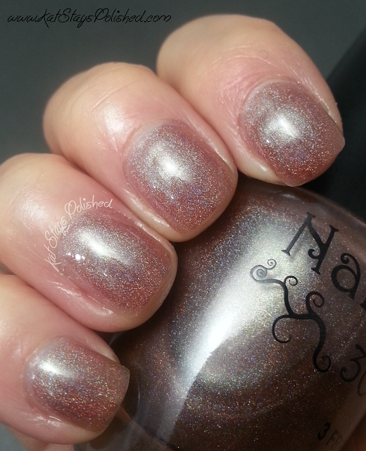 NailNation 3000 Nella Famiglia - Indirect Light