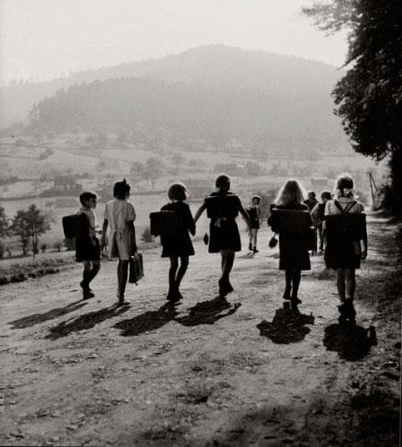 Écoliers Wangenbourg, 1945. Robert Doisneau
