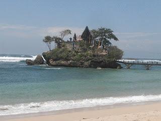 Uler Keket Blakra'an: Pantai Balekambang