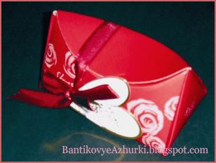 подарочная коробочка с треугольными сторонами