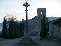 La Creu del Terme i el Santuari de l'Ajuda des de Can Teixidor