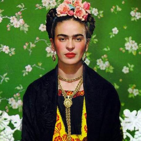 Frida kahlo roma 2014 autoritratto mostra fiori capelli testa