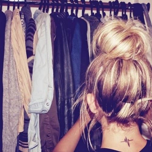 Mẫu hình xăm ở cổ sau gáy - vành tai đẹp cho nữ