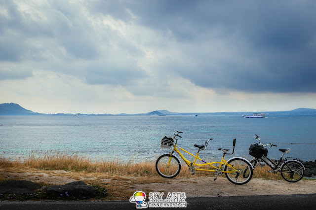 Explore Udo Island with a twin seat bicycle