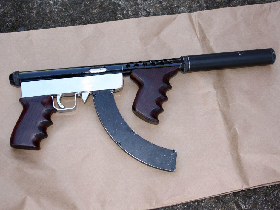 The American TEA Party: The Black Market for Guns is Leaning Forward ... J. D. Longstreet