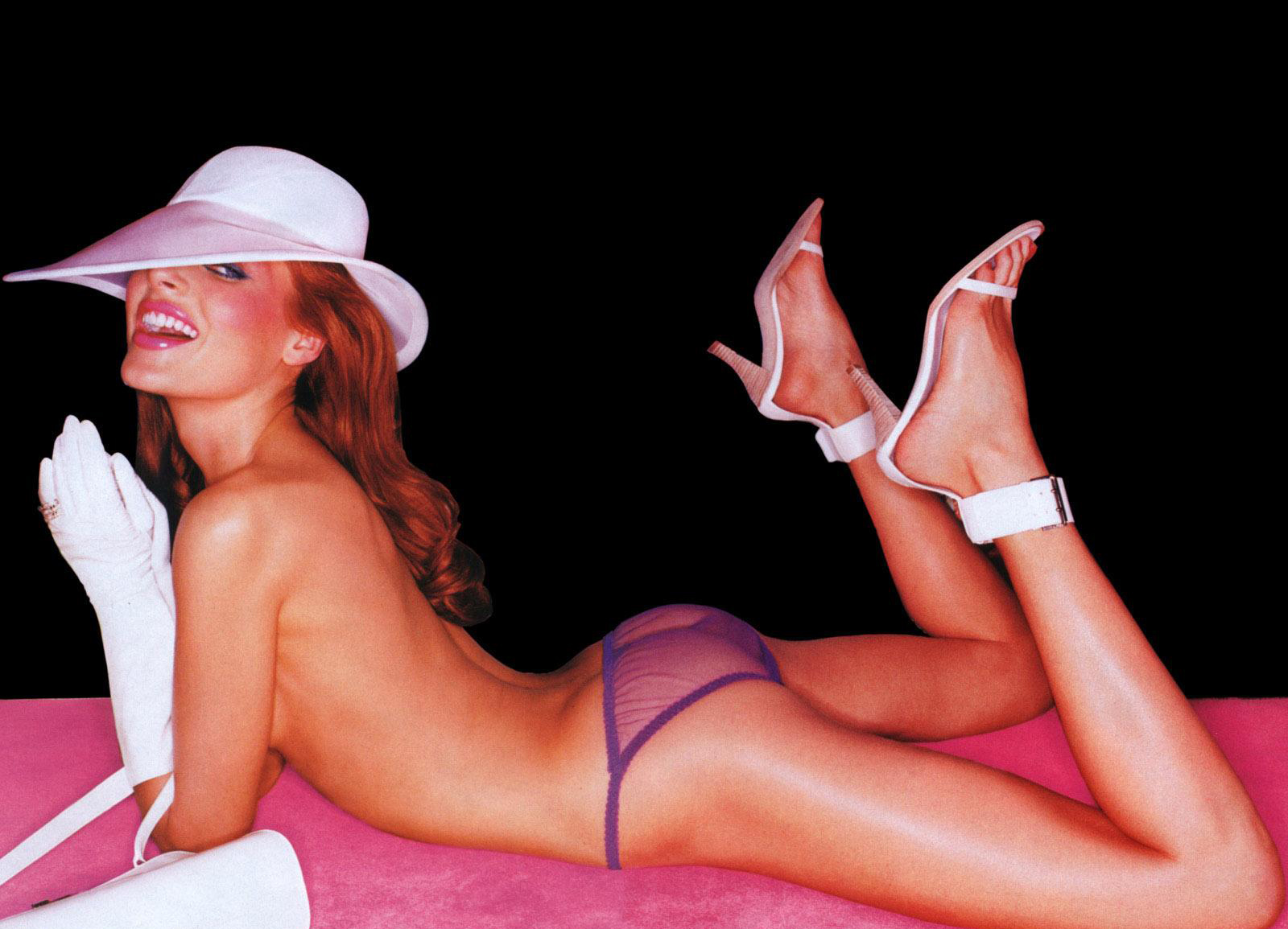 http://1.bp.blogspot.com/-P5jZrklt2yM/T36Z6VnamUI/AAAAAAAAGOA/AWn1I99PYCc/s1600/Gisele+Caroline+Feet+Photo++-2.jpg