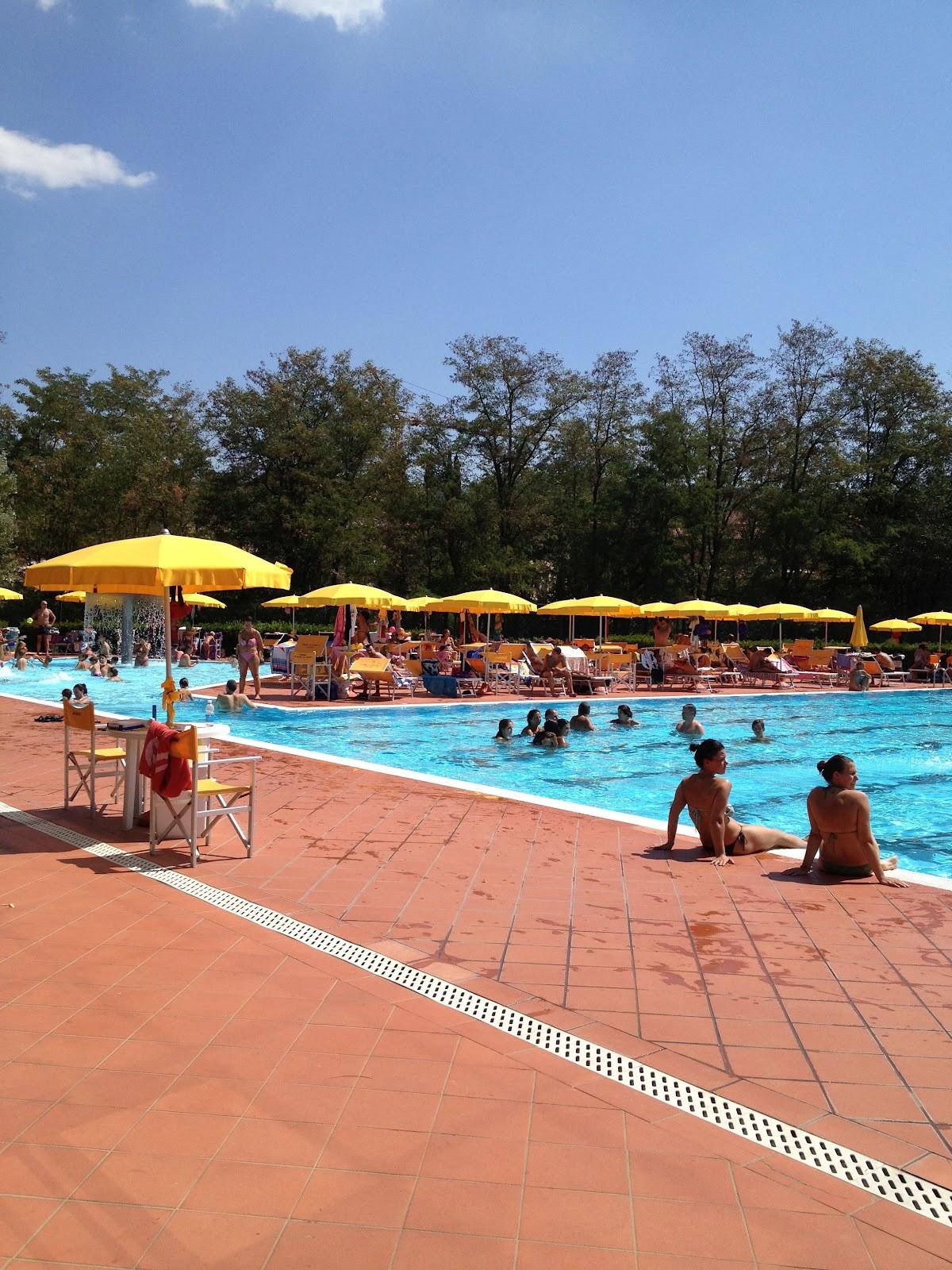 Io amo firenze piscine all 39 aperto in mezzo al verde la piscina di greve in chianti - Piscina gonfiabile 2 metri ...