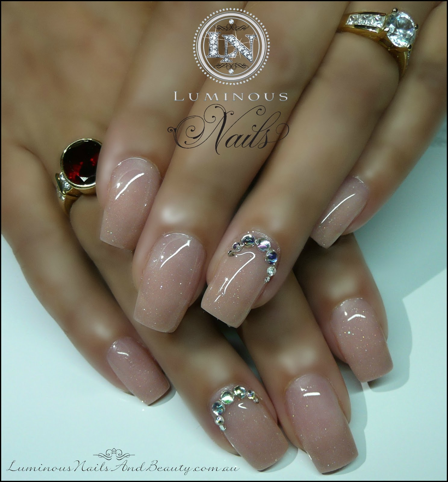 Luminous+Nails+and+Beauty,+Gold+Coast+Queensland.+Acrylic+&+Gel+Nails