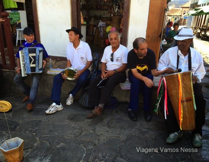Músicos reunidos na rua da Quitanda num domingo pela manhã