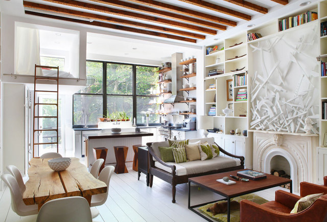 Interior design musings small spaces cottage in the city - Casa rural de madera ...