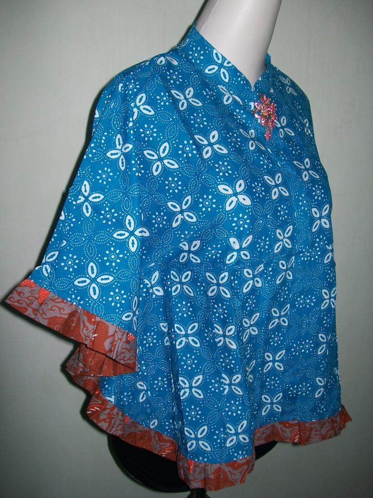 Model Blus Batik Wanita Terbaru Warna Biru Kelelawar Kipas