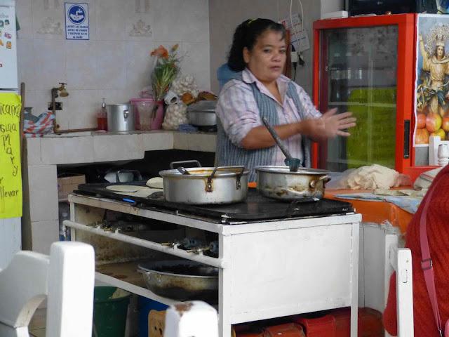 Puesto de comida en el mercado de Zacatlán - Puebla - México