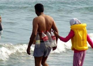 Colete salva-vidas improvisado
