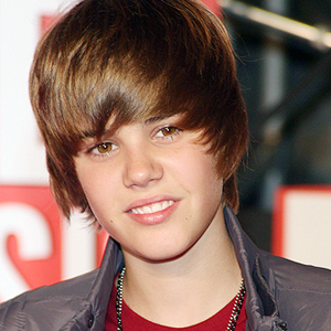 How old is justin bieber