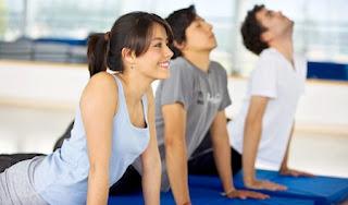 """<img src=""""hacer-ejercicio.jpg"""" alt=""""es bueno que hagas ejercicio a diario. La actividad física te ayuda a quemar el exceso de grasa acumulada y a mantenerte en forma"""">"""