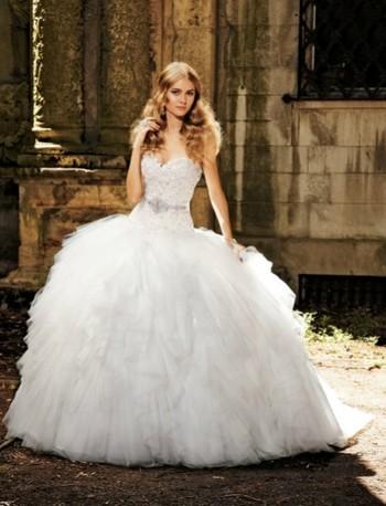 Amazing Wedding Dresses And Shoes Choosing The White Debutante Ball