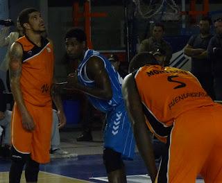 Feldeine, J. Holland y Sené durante el partido.