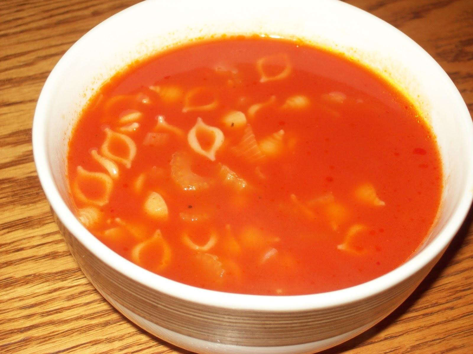 manger avec mo soupe aux tomates et riz ou nouilles. Black Bedroom Furniture Sets. Home Design Ideas
