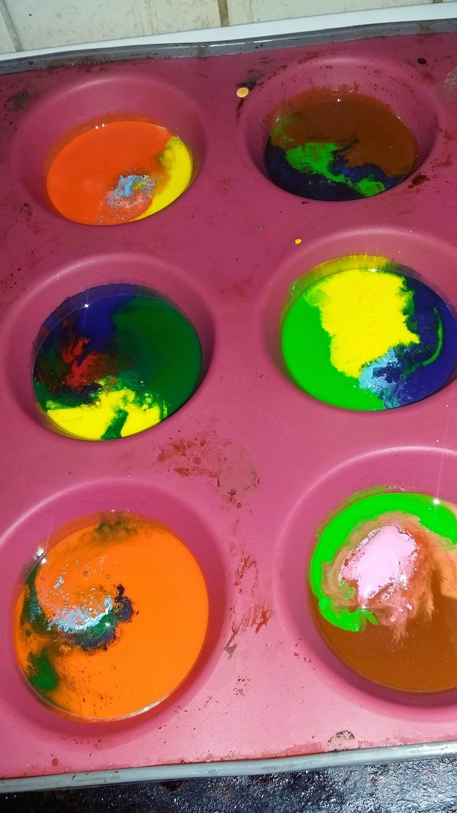 http://lifewithbabykicks.blogspot.ae/2015/03/rainbow-crayonning.html
