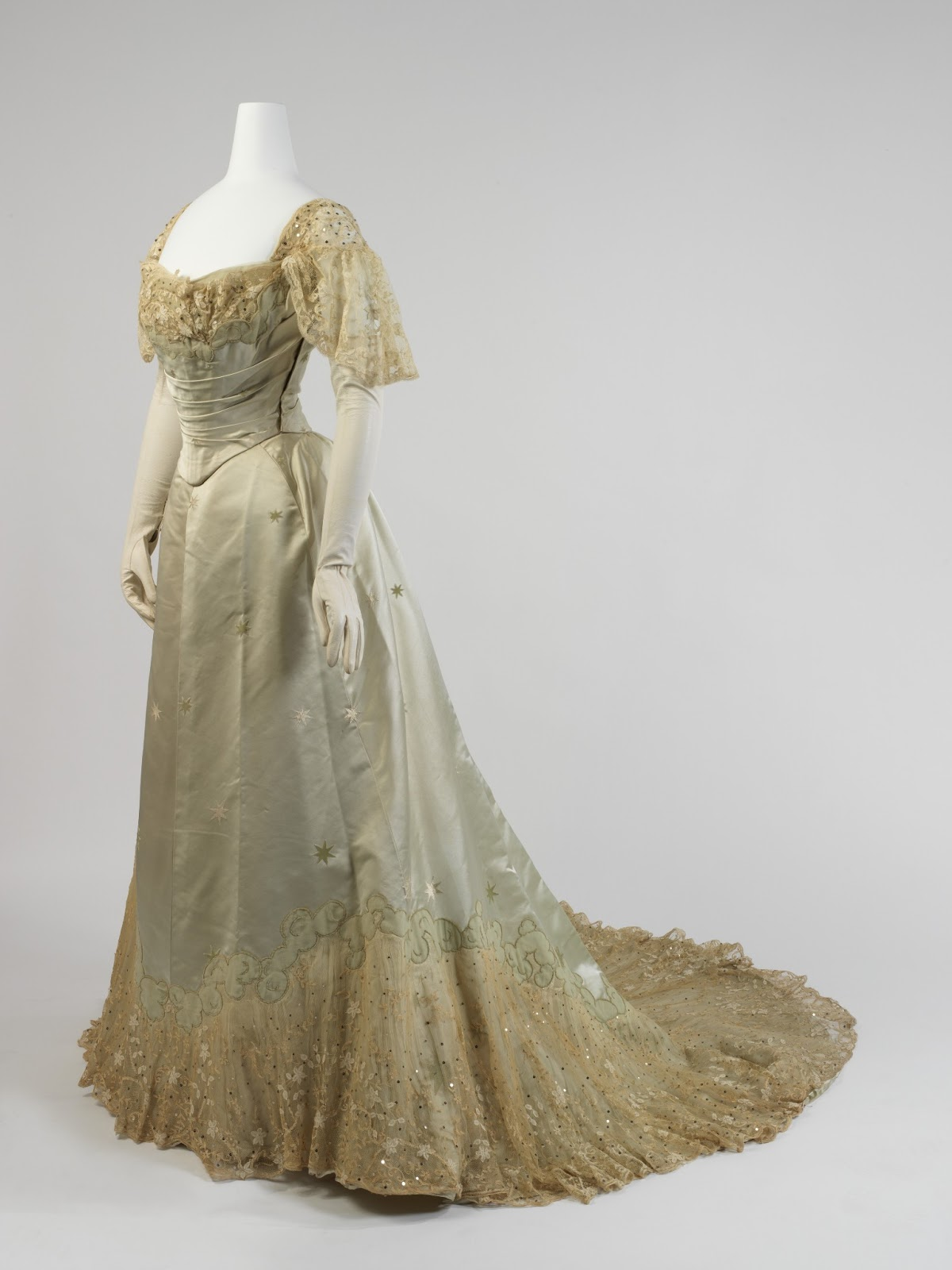 Frolicking frocks gibson girl gown for 1900 haute couture