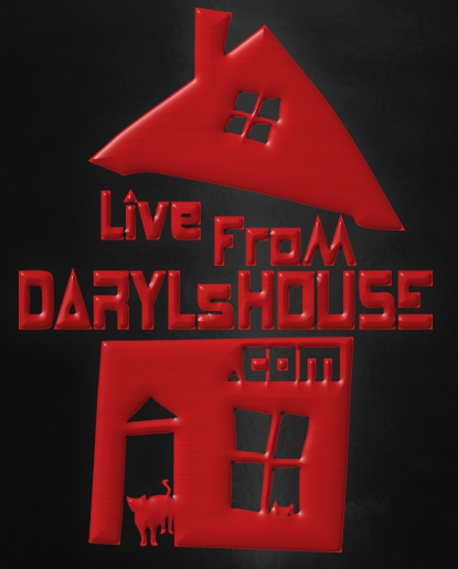 house for some jamming with the renewal of Live From Daryl's House for