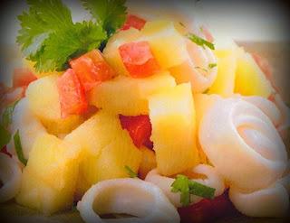 Ensalada de calamares y papas asadas