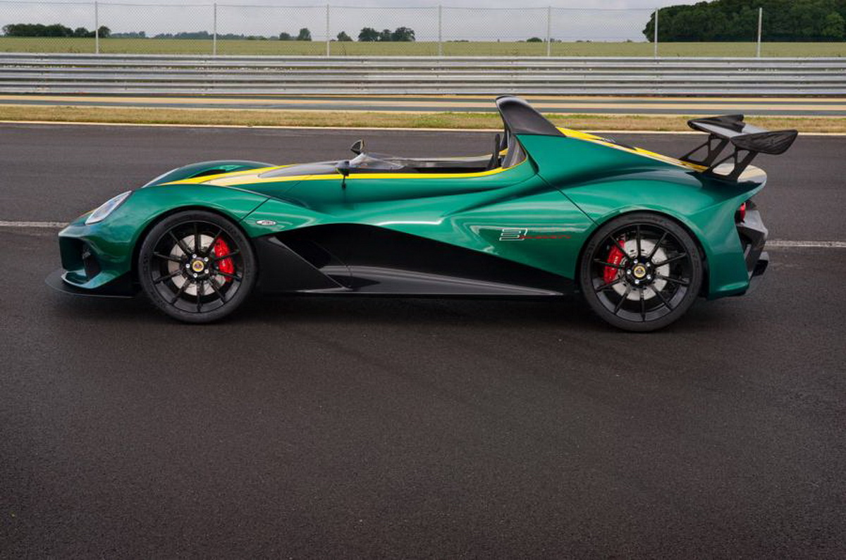 Meet New Lotus 3 Eleven Fastest Road on british racing green aston