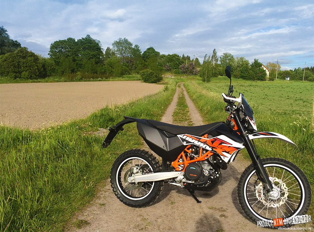 project ktm 690 enduro r new shoes tkc 80s to replace the sahara 3s. Black Bedroom Furniture Sets. Home Design Ideas