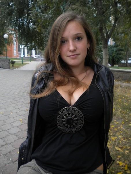 Valya, joves mamelles de Sant Petersburg (Rússia) | Hot ...: http://latexbadenser.blogspot.com/2013/08/valya-joves-mamelles-de-sant-petersburg.html