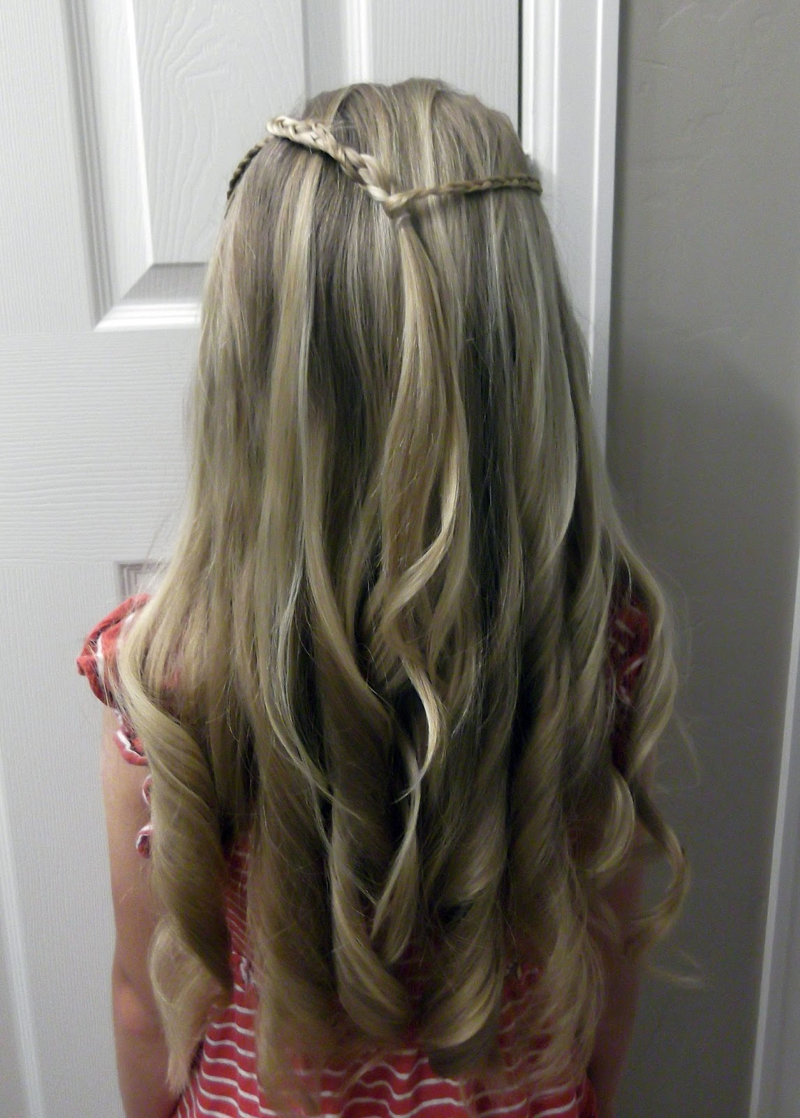 little girls hairstyles how to do an american girl doll hairstyle pretty hair is fun girls. Black Bedroom Furniture Sets. Home Design Ideas