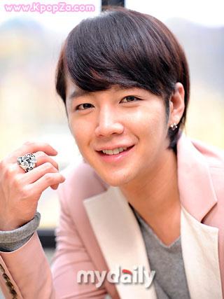 Jang Geun Suk บริจาคเงินผ่านการประมูลกว่า 5 ล้านวอน