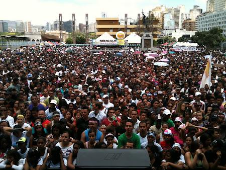 Praça da Estação em Belo Horizonte lotada na Marcha para Jesus 08/10/2011