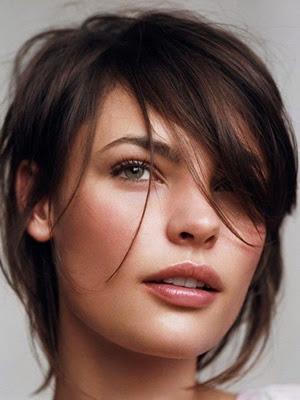 3 formas de hacer un corte de cabello con capas largas