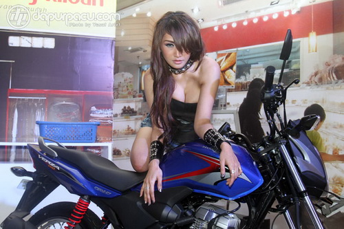 Foto Model Seksi By Dapur Pacu title=
