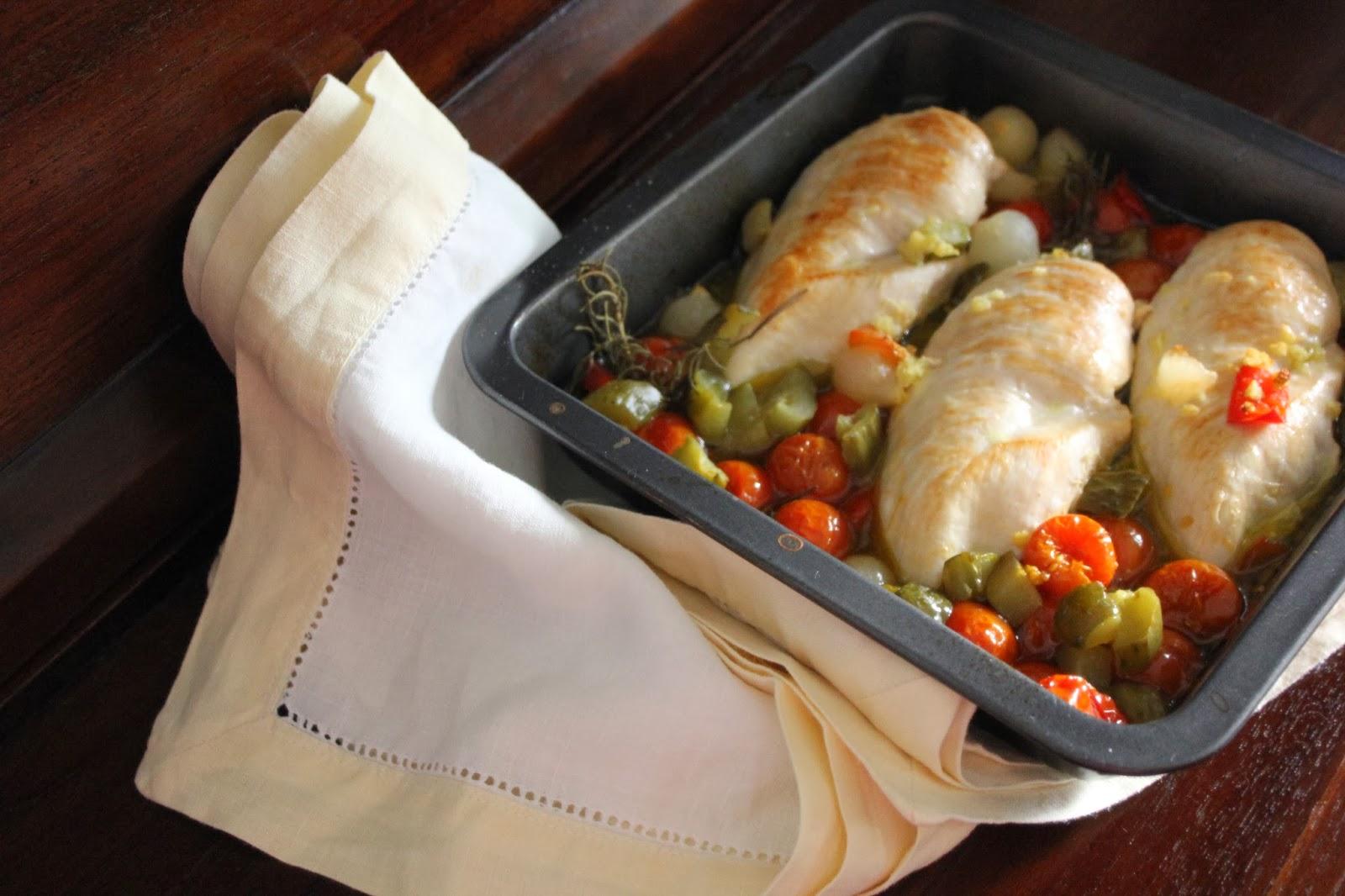 Come y disfruta pechugas de pollo al horno con cherrys y for Formas de cocinar pollo