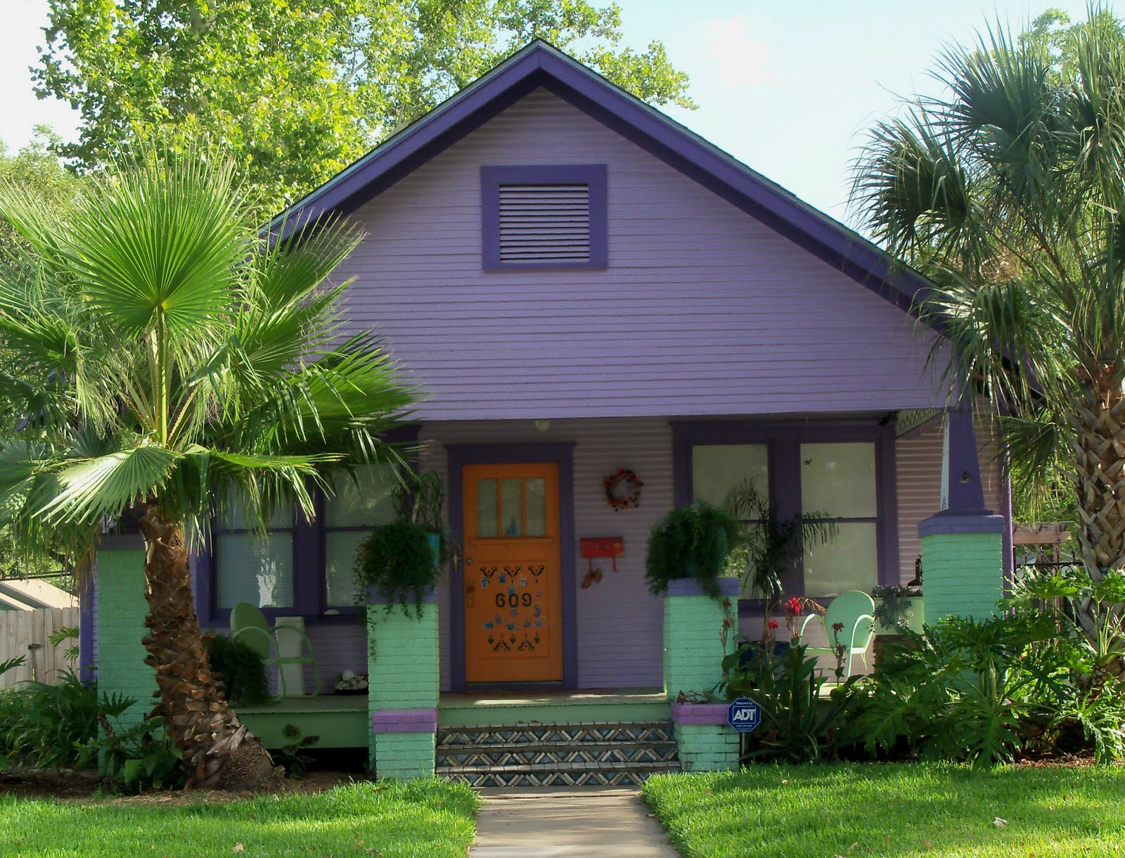 susan 39 s colorful life pretty purple houses yes purple