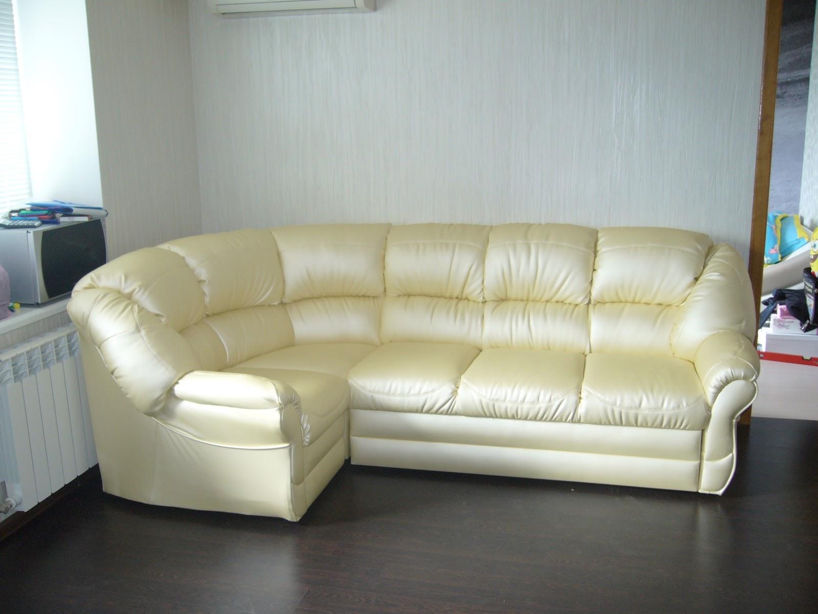 265x160. компактный и очень удобный мягкий уголок. есть большая ниша для постельных принадлежностей