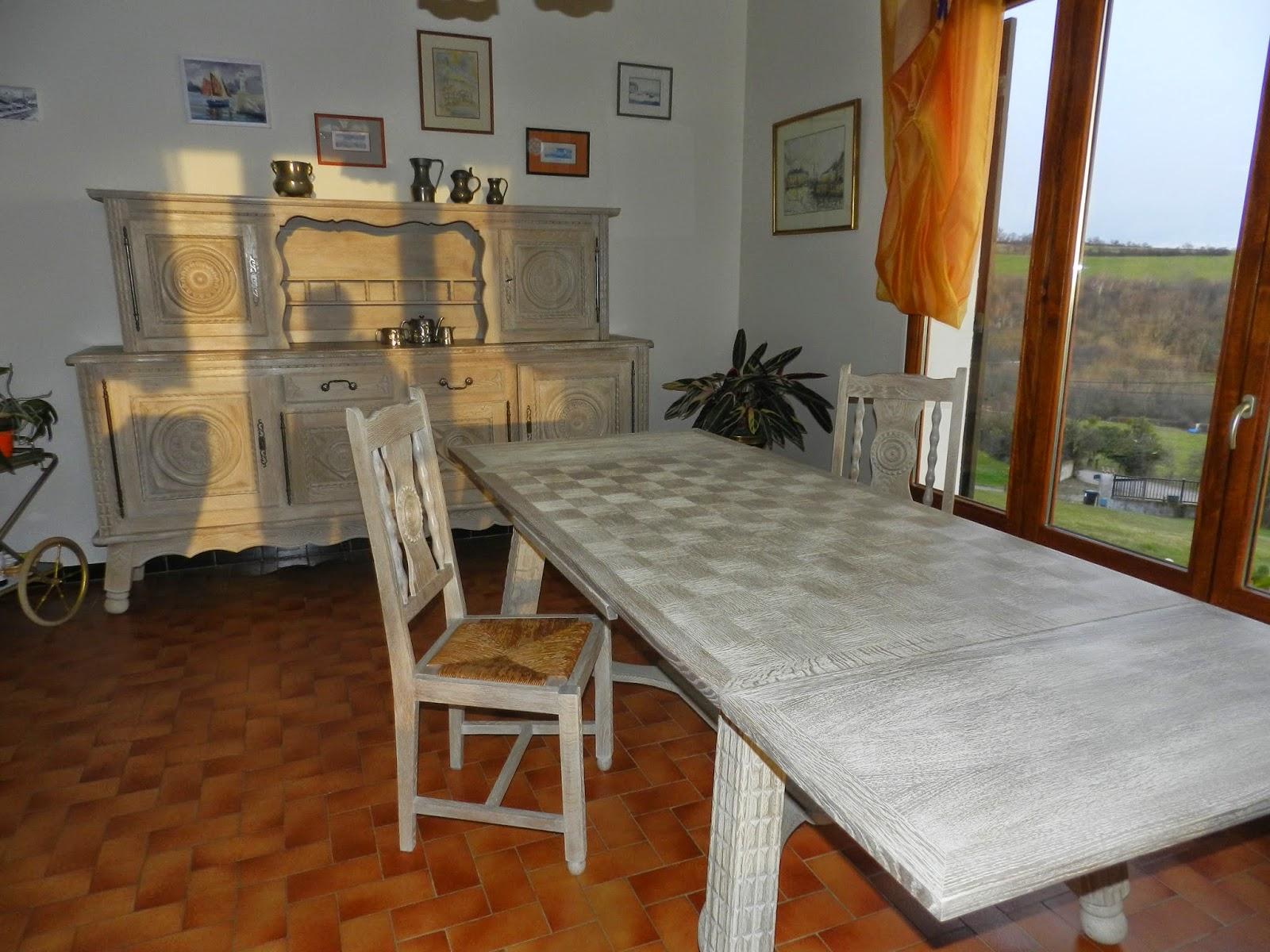 La sourigolote salle manger de type basque for Salle a manger style basque
