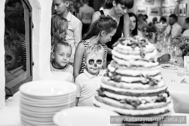 Kraków, Kościół św. Anny, Julia i Mariusz, ceremonia, przyjęcie, naturalne zdjęcia, artystyczna fotografia ślubna, bukiet ze zboża, oryginalna fotografia ślubna, Bochnia, Kraków, wyjątkowy fotograf, zbożowy bukiet, bukiet ze zboża, elegancki ślub, przyjęcie, katarzyna & gabriela fotografia ślubna,