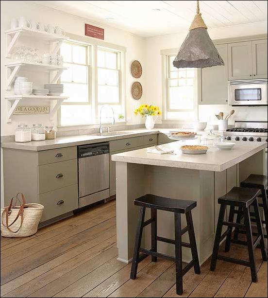 Cottage kitchen ideas room design ideas for Bungalow kitchen layout
