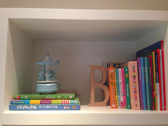 Shelves decor @ Blue and beige stripes boy's bedroom