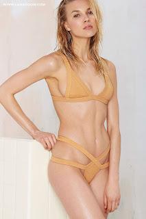 عارضة الأزياء بريت مارين في صور ساخنة بأحدث تصاميم الملابس الداخلية 2015