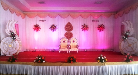 Wedding stage decorators in coimbatore photographers in for Balloon decoration for stage