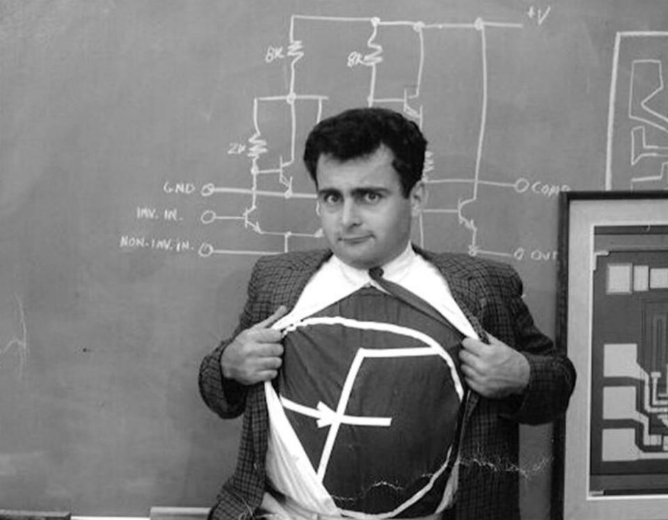 Bob Widlar, engenheiro eletricista e pioneiro no design de circuitos integrados lineares.
