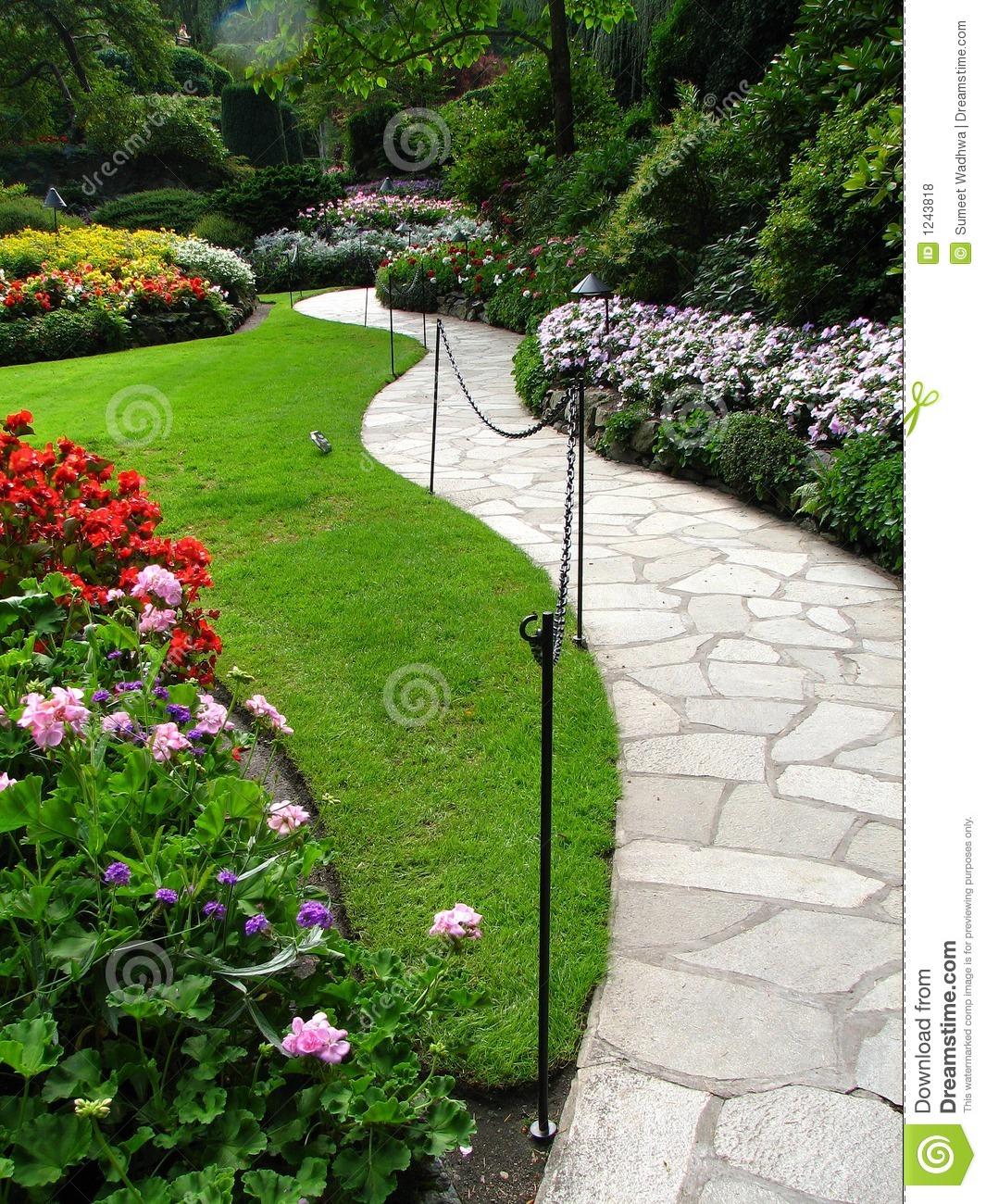 Palavraschave jardins; plantas;flores;passeio; decoração externa