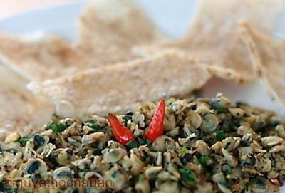 Hương vị Huế - Hến xúc bánh tráng