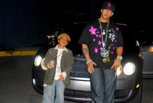 Mireddys Gonzalez Y Sus Hijos